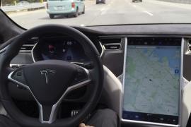 """Interior de un coche Tesla, modelo """"S""""."""