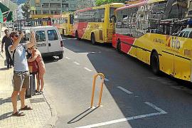 La Agrupación de Autocares Regulares exige que la parada del bus vuelva a la primera línea del Port de Pollença
