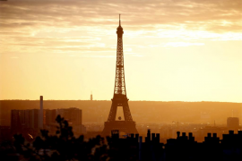 Una madre de dos niños autistas gana una noche en un apartamento de lujo en la torre Eiffel
