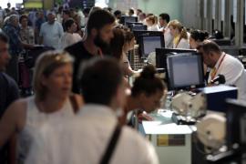 Vueling continúa acumulando cancelaciones y retrasos