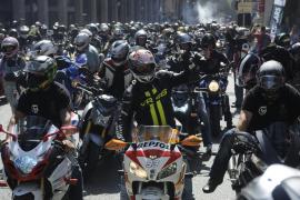 Más de 2.000 motoristas homenajean a Luis Salom