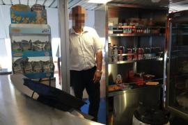 Quimi Portet denuncia en Twitter que un camarero de Baleària no quiso atenderle en catalán