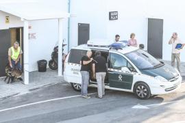 La Guardia Civil registra la discoteca Amnesia y realiza las primeras detenciones