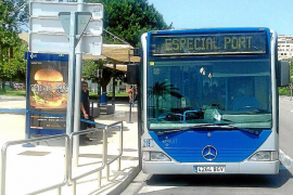 El bus especial ha transportado más de 11.300 cruceristas en dos meses