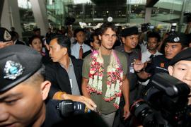 Nadal llega a Bangkok para participar en el Abierto de Tenis de Tailandia