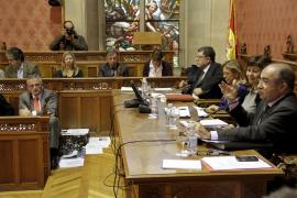 Font convierte el pleno en un debate sobre la necesidad del Consell