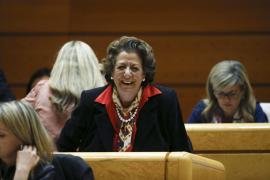 Barberá presenta la documentación como senadora en la nueva legislatura