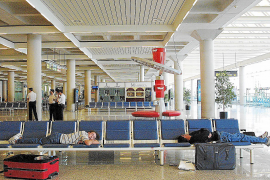 Las patronales rechazan la propuesta sindical de servicios mínimos en el transporte aéreo