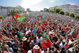 Una multitud aclama en Lisboa a Portugal, la campeona europea