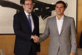 Rajoy se reúne este martes con Rivera e Iglesias
