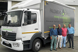 Autovidal entregó un Mercedes-Benz Atego a la empresa Palomero Cargo