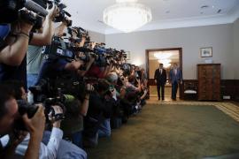 Finaliza el encuentro entre Rajoy y Sánchez
