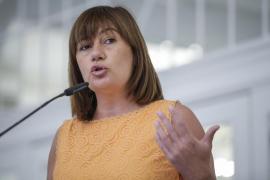 Armengol reitera que su partido votará en contra de la investidura de Rajoy