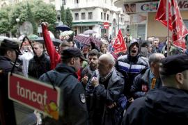 Absuelven a un manifestante por golpear a un policía de la trama de corrupción