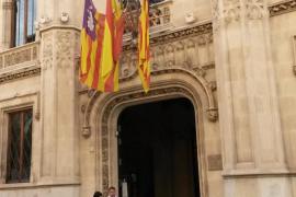 Banderas a media asta en el Consell de Mallorca