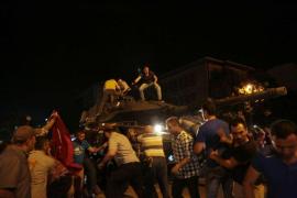 El primer ministro eleva a 2.800 los militares detenidos por el intento de Golpe