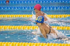 Mireia Belmonte se impone a Melanie Costa y logra su quinto oro