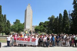 La asamblea 'Sa Feixina Sí que tomba' impulsa el derribo del monolito
