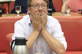 Domènech destaca que «la única alternativa» al acuerdo PP-C's es la encabezada por él