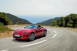 El Mazda MX-5, elegido 'Roadster del año 2016' por Auto Express