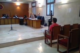 El acusado de disparar a la Guardia Civil en Menorca dice que tiraba a un murciélago