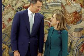 Ana Pastor traslada al Rey la nueva composición del Congreso