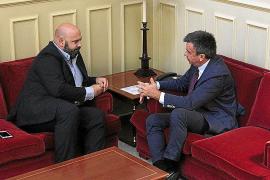 Martínez se reúne con Vidal para mostrar el gran malestar del sector crítico del PP