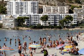 Cerrada temporalmente la playa de Santa Ponça