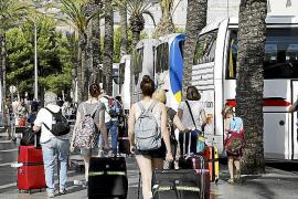 Desvíos de turistas en las zonas hoteleras de Mallorca por el alza del 'overbooking'