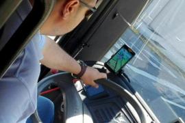 Investigan si un conductor de autobús jugaba a Pokémon Go mientras conducía