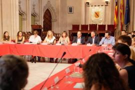Armengol anuncia un plan para mejorar las instalaciones sanitarias «después de años sin inversión»