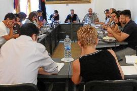 El equipo de gobierno de Pollença pierde su primera votación «por no consensuar» el proyecto de primera línea del Port