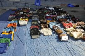 La Policía Local de Palma ha intervenido más de 50.000 productos de venta ambulante desde enero