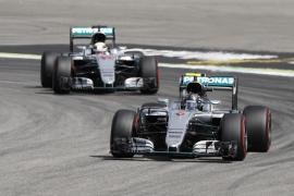 Rosberg le arrebata la 'pole' a Hamilton mientras Alonso saldrá desde la séptima fila