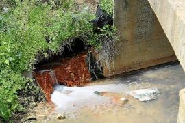 Los vertidos de la depuradora de Consell y una lavandería contaminan los pozos de Biniali
