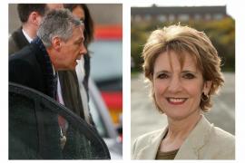 El escándalo sexual de su esposa le cuesta el cargo a Peter Robinson