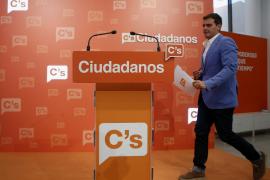 Rivera presiona a Sánchez para que se abstenga y permita la investidura de Rajoy