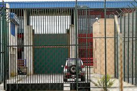 El preso que denunció torturas en la cárcel de Palma agredió a cuatro funcionarios
