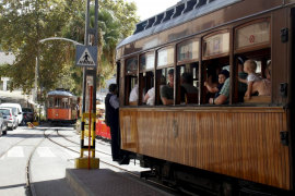 Los trabajadores del Ferrocarril de Sóller, preocupados por el cese del servicio durante tres meses