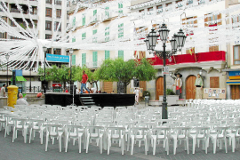 Extraviadas 200 sillas y 40 caballetes del Ajuntament en tres fiestas de barrio