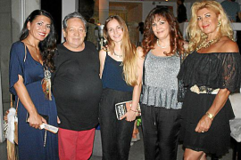 Fiesta y desfile de moda de Francis Montesinos