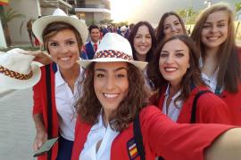 Los deportistas españoles viven con emoción los momentos previos al desfile