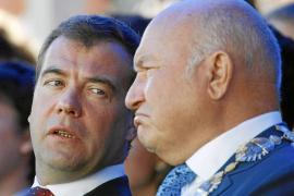 Medvédev destituye al poderoso alcalde de Moscú por «pérdida de confianza»