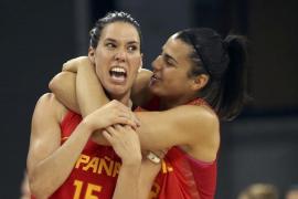 Cruz ilumina a la selección femenina de baloncesto en su debut