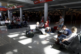 Son Sant Joan operó el 65% de los vuelos programados