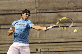 Rafa Nadal prepara su debut en el torneo de Bangkok