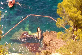 Excadora caída al mar