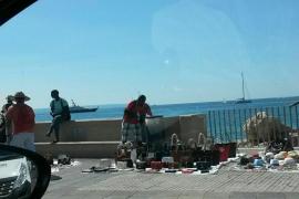 Pimeco denuncia la venta ambulante en los alrededores del Moll Vell