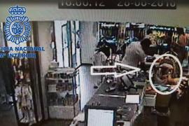 Detenido un hombre en Ibiza que robaba las pertenencias de los carritos de bebés