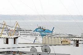 Ni la Autoritat Portuària ni Cort ven salida a los ruidos en Portopí